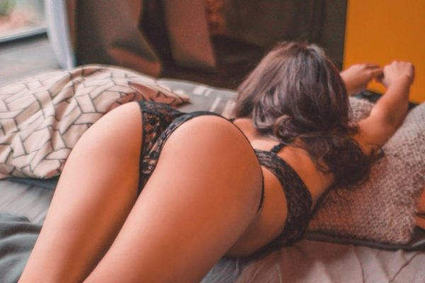 Лана, рост: 167, вес: 48 - проститутка за деньги
