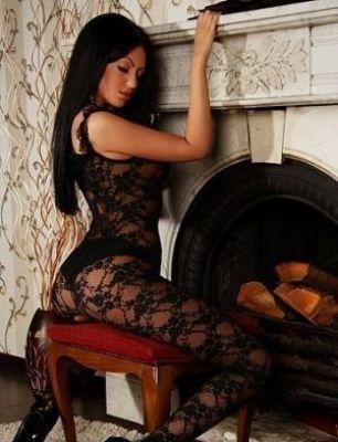 Вика — проститутка с большими формами, 25 лет
